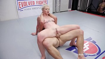 Mixed Nude Wrestling Fight Kay Carter Fucked Roughly by Nathan Bronson in the ring 14分钟
