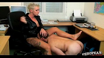 Femdom humiliation by mean mistress 14分钟