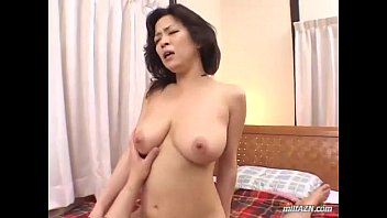 Busty Milf Sucking Young Guy Cock In 69 Fucked Getting Facial On The Bed