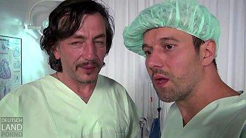 Clinica facial - Kim kommt in die klinik wegen stangenfieber -- die ärzte merken es erst als deren stange fiebert - das luder
