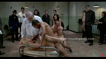 Patient treated with extreme gang bang 4分钟