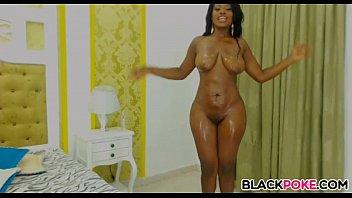 CURVY BLACK BABE TEASING