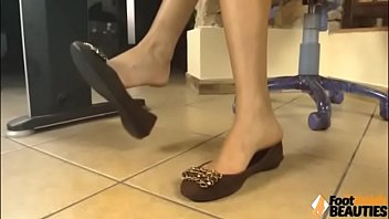 Ballet foot fetish Barefoot brunette shows her soles and ballet flats