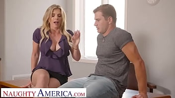 Naughty America - Cory Chase gives student tips on making a women's pussy dripping wet 6分钟