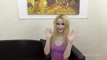 Experienced Sweet Plum teaches the boy to work GS011
