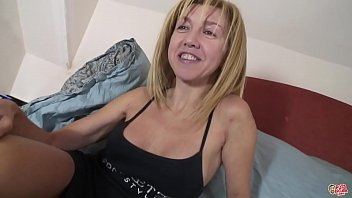 The mature Eva is the milf that everyone wants to fuck: P