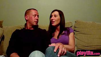 Clueless amateur couple find themselves in a swinger club