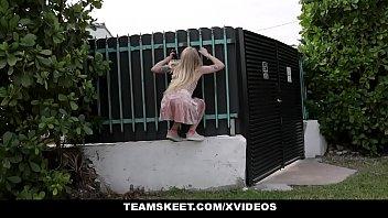 ExxxtraSmall - Petite Blonde Paris White Seduces Neighbor Before He Leaves