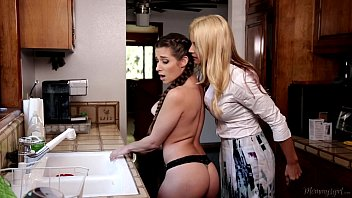 Homemade big bonde girls fucking tapes Mom and mommy - cassidy klein, jelena jensen, sarah vandella