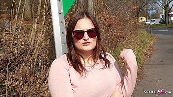 ►► Holly Banks - Vom User im Urlaub erkannt und gefickt Deutsch - German Teen ◄◄
