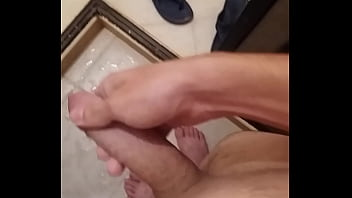 I masturbate shaved for you being a virgin <3