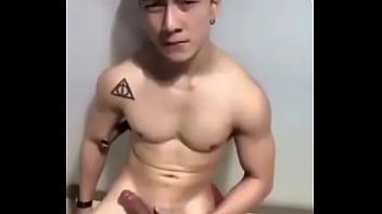 พี่ไอซ์ Trai Thái đẹp trai sục cặc bắn tinh xối xả
