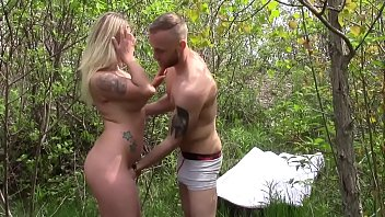 Fucking Outdoors after I met her on Fatmeeta.com for blowjobs