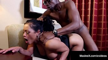 Cambodian Cougar MaxineX Dark Dicked By Big Black Cock! porno izle