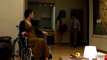 คลิปโป๊เอเชียผัวหื่นเก็บกดเมียป่วยก็เงี่ยนจับเย็ดเซ็กซอยเสียบกันจนเอวลอย