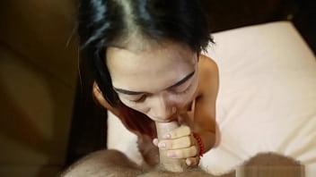 Super tiny 18yo Thai hottie with Bangkok bubble-butt booty rides tuktuk ft. Song porno izle