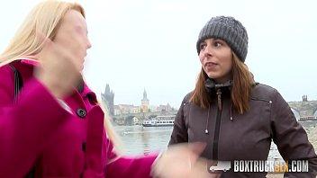 Hot Antonia Sainz and Angel Wicky Touch Each Other's Pussies Vorschaubild