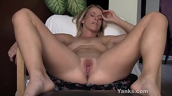 Excited Yanks MILF Skyla Masturbates