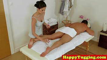 Real japanese masseuse pampering dong 8分钟