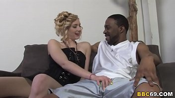 Rylie Richman Takes Black Dick 8分钟
