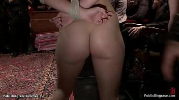 Sexy slut anal fucked at public party 5分钟