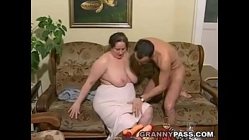 Amateur old women German bbw granny loves young dick