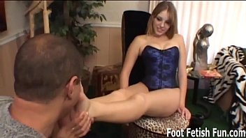 Sexy feet tease - Summer teasing your with her perfect feet