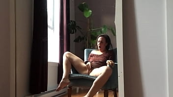 Bored milf masturbate alone without knowning she is being recorded!