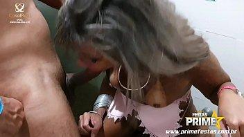 Kely Pivetinha Fode com Namorado da Prima Escondida no Banheiro de motel