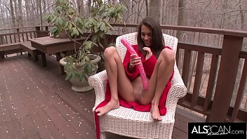 Indian Babe Deep Throats and Toys Massive Dildo 12 min