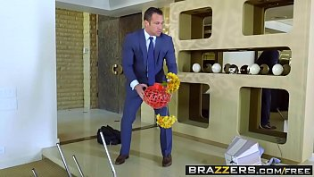 Brazzers - Real Wife Stories - (Monique Alexander) - A Deep Cleaning thumbnail