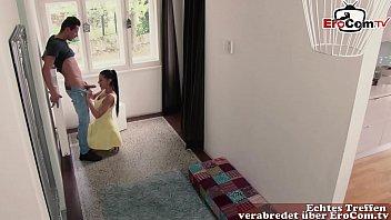 Deutsche Extrem Notgeile Frau verführt Jüngeren Mann und schleppt ihn ab