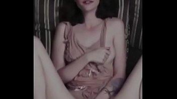 Kaya Scodalerio Nude Masturbating Leaked s. Video 3分钟