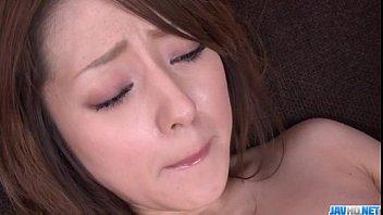Ria Sakurai spreads legs for nasty dildo stimulation 12分钟