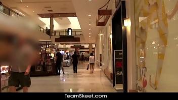 Tiny Latina babe Jasmine bangs with a stranger