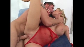 Tarra White fucked by David Perry and she suck off the cameraman 35分钟