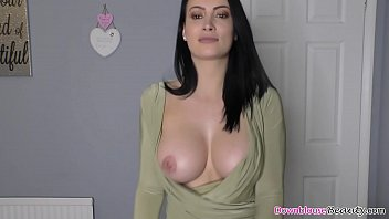 Sweet babe bib boobs dancing Big boobs brunette erica dancing nicely while showing tits