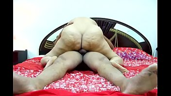 Hot Desi Fat Ass Aunty Munni thumbnail