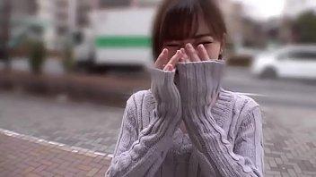 Japonesa lindinha dando dentro de uma van thumbnail