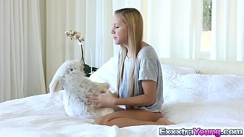 Hollie Mack plays and got fucked by a giant cock