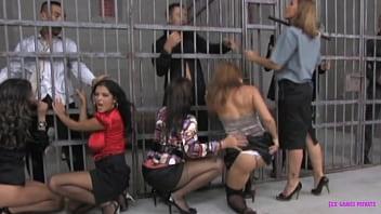 Pussy prison   vol.2 31分钟