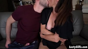 John Price fucks the hot granny Mariana and shoves his cock inside her vintage pussy