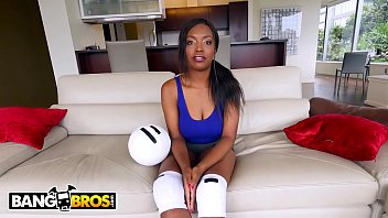 BANGBROS - Busty Ebony Pornstar Daya Knight's First Bang Bros Scene!!!