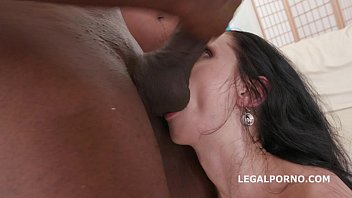 July Sun amazing interracial gangbang Vorschaubild