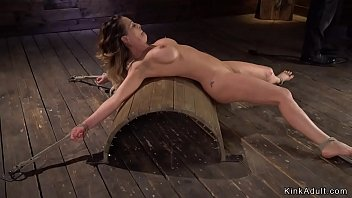 Hogtied sex met fotos - Big boobs milf fingered in hogtie