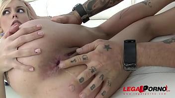 Blonde slut Daniela Dadivoso double penetrated by 4cocks - No Problem!