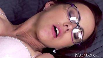 MOM Milf lust in glasses and stockings porno izle
