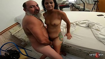 Old pervert wants to fuck Aline Cassia before the scene - Sandro Lima - Binho Ted