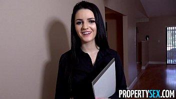 PropertySex - Careless real estate agent fucks boss to keep her job 11分钟