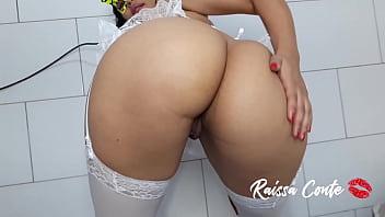 hot amateur, she has a hot big ass, she loves to twerk to make her fans hard Raissa Conte